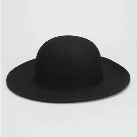 Free People Accessories - FREE PEOPLE FELT WIDE BRIM BOWLER HAT 🖤 60f8d080498